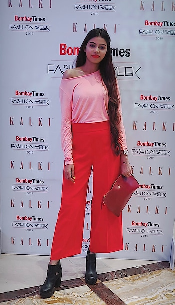@bombaytimes @timesfashionweek#KALKIxZINNIA @kalkifashion ♥️ Such a beautiful and gorgeous #ss19collection 🥰 Such a fab colours & design took my heart. Overall show got complete by @malaikaaroraofficial 🙂 as usual she was stunning! Fam you must check my Insta highlights for collection 😃  _ #DEVKIDHURIAxKALKIFASHION #TheSnazzyDivaXKalkifashion #thesnazzydiva #springsummer2019 #kalkifashion #ss19 #bridaldesigner #bridalwear #instabeauty #indiandesigners #btfw #btfw19 #mumbaifashionblogger #designers #indiandesigns #instalove #roposo #malaikaarora #roposotimes #roposomumbai #roposolove #soroposolove #roposodesigner