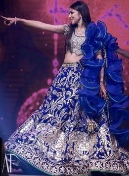 #beautifulmoments #createyourownstyle  #blue-bridal-lehenga #frillsandruffles #trendy-gorgeous #enjoy khul k #heythere #dancewithme  #lehengas