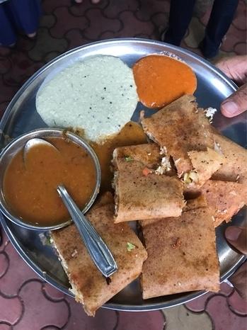 Cheese paneer vegetable dosa at Ayyapan Idli stall, matunga #foodiesofindia  #food
