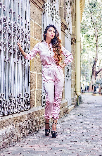 You Keep A Lot To Yourself Because It's Difficult To Find People Who Understand... 💓💗 : #just #quotes #positivevibes #thegoodquote #summervibes #summer #summerstyle #spring #pink #pinklove #jumpsuit #black #highheels #blackheels #fashion #stylegram #fashionista #queen #nehamalik #model #actor #diva #blogger #mumbai  : Outfit @igfashionsoul  Photography Divyesh Vanzara @omii_clicks  Mua Heenal Gohil