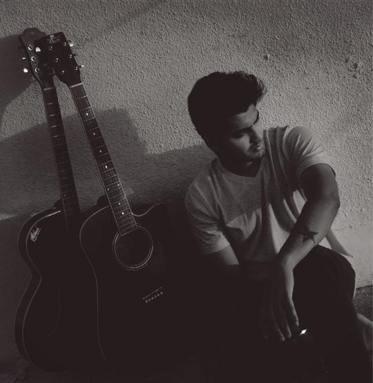 #guitarlove #blackandwhite #sunset #ropo-style