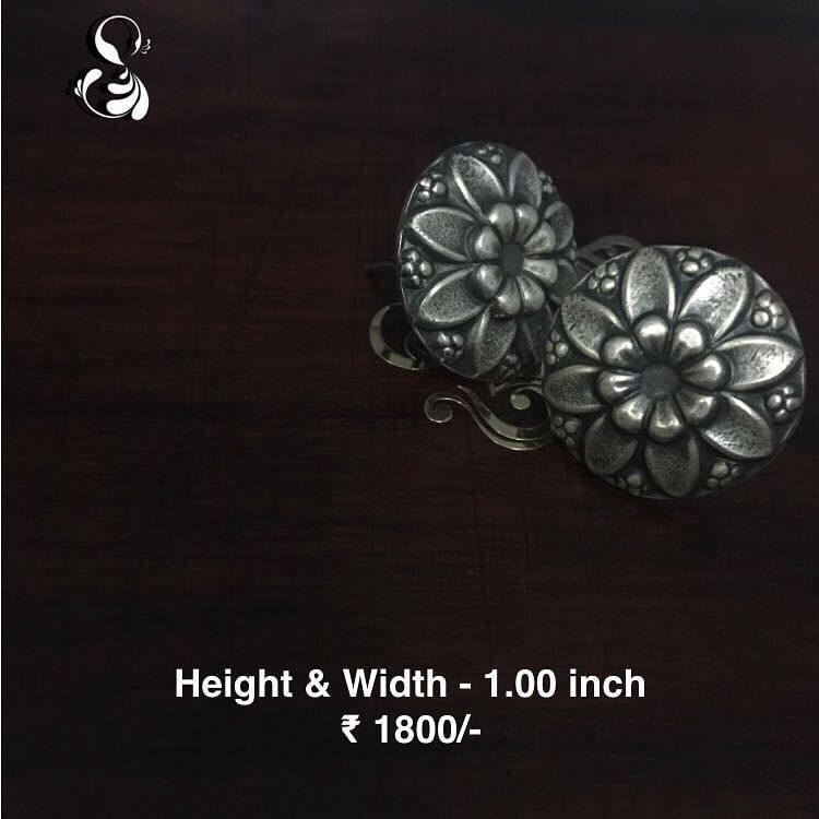 #Oxidised #silver #studs #earing pair ₹ 1800/- Length - 1.00 inch Width - 1.00 inch  COMPOSITION: 92.5 Sterling Silver  COD available in India. for orders Message or Whatsapp on +91 9636525302  #earings #shopnow #sparsak #studs #sterlingsilver #chandbali #shopnow  #temple #pearls #templejewellery #Sterlingsilver #danglers #inspiration #style #styleblogger #instalike #silver #socialbusiness #social #jewellery #workingmom #workinggirl #sparsakjewels #accessories