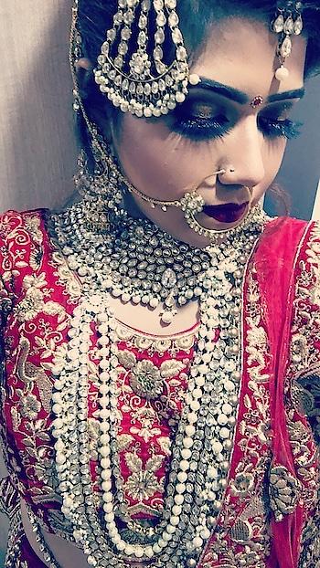 #bridalshoot #bridalmakeup #bridal-fashion-designer #bridal-outfit #bridal-lehenga #karolbagh #newdelhiindia #blogger #roposogirl #roposome #featureme