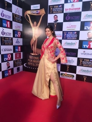 Actress Hamsa Nandini spotted in our classic attire at the Tsr national awards!!  #archithanarayanamofficial #hamsanandini #tsr #national #awards #spotted #classic #tollywood #kollywood #stylish #lfw #kaasikabazaar