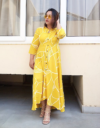 Abstract definitely scores high on the pattern chart this SS'18🌿 Blog post soon on DeeSayz.com! Stay tuned. . . . . #summerfashion  #springfashion #fashioninsta #bloggersworldwide #fashionstyle #bohemian #bohovibes #fashionblogger #aboutalook #ootd #ootdsubmit #fashion