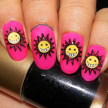 #designyournailsbyisha #ishanailart #goldennails #nailsfashion #partynails #fimonails #smileynailart #emojinails #beautybigbangnailart #nailart #nails #naildesigns #nailswag #nailpolish #nailblogger #pinkmani #roposonails #roposofashion #roposoblogger #soroposo