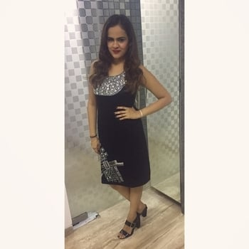 Updated their profile picture #newdp  #wearing #kimaya #kimayafashions #women-branded-shopping #be-fashionable #tvbythepeople  #black #diamonds #times #bombaytimes #brandedstuff #fashion #black-edition #dp #sparkleon 🖤✨ #blackhasitsownmagic