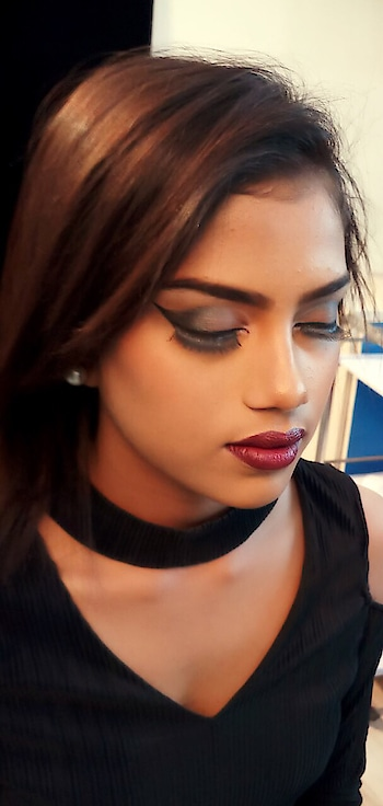 #makeupartistindia #makeupartistsworldwide #makeup #cosmetics  #lipstick #macfoundation #studiofix #compact #makeup highlight #contour #winelips #false eyelashes #cut crease #halfsmokey #studentcreation #strobing #sivanna #colorbar-velvet-matte-lipstick #kryolanmakeup #model #photoshoot #theme makeup #pictureoftheday