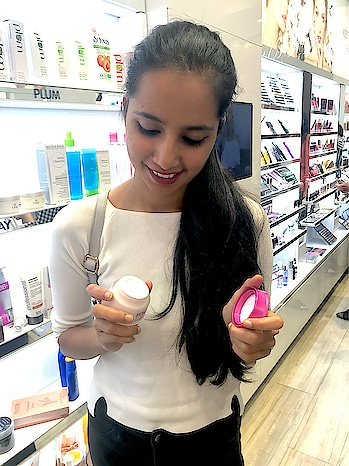 Tried the new Ponds. And I love it. Its soo smooth and creamy perfect for oily skin  #roposo #roposo-style #soroposo #soroposofashion #thestyleclash