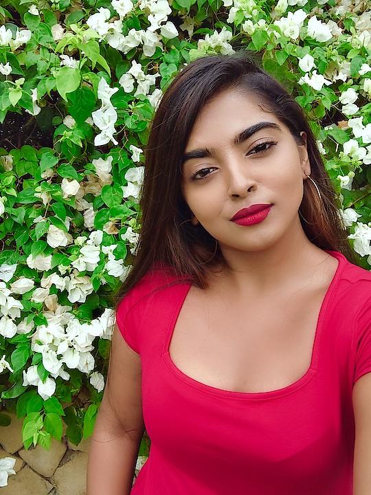 • If you were a flower, I'd pick you • 🌹 #beautylife #beautyblog #instabeauty #beautytips #beautyproducts #makeupaddict #beautyguru #bblogger #makeup #motd #mua #beauty #makeupobsessed #makeupblogger #beautyjunkie #makeupbyme #makeupoftheday #dressyourface #lookamillion #ilovemakeup #fotd #instamakeup #wakeupandmakeup #beautygram