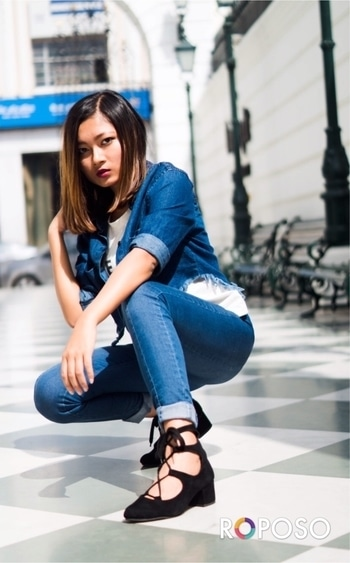 Denim kinda day. #stylingtips#soroposo #roposoblogger #fashionblogger #styleblogger #stylebloggerindia #ootdshare #outfitpost #outfitinspiration  #ootd #delhifashionblogger  #roposofashionblogger   #wiwt #whatiwore #streetstyle #delhi #loveyourself #roposogal #roposo #springsummer  #women-fashion #indianblogger