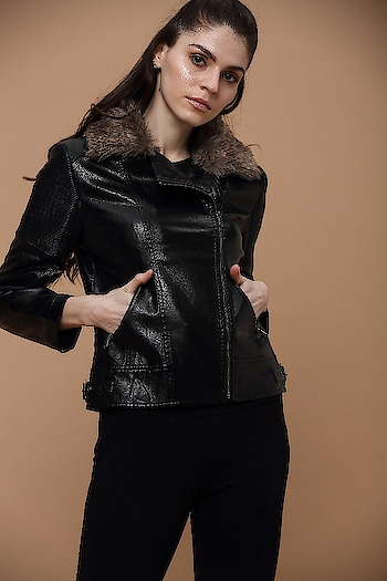 Take your winter party look to the next level in this graceful leather jacket with intricate self designing and faux fur detailing!  #newarrivals #fallwinter #bohovibes #bohostyle #gipsystyle #gipsywomen #bohoforlife #bohofashion