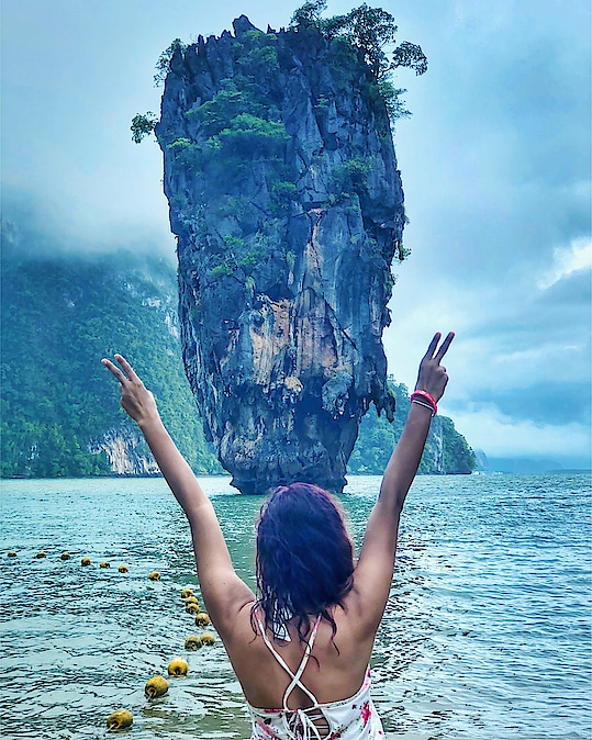 It was a YAY ✌🏻moment when I was finally there looking at that marvel of James Bond Island in the middle of the ocean!! 🤩  It was a wish come true!! I was grateful and thankful!! 😇🙏🏻  #jamesbondisland #krabi #indiantravelblogger #travelpost #ShailySingh