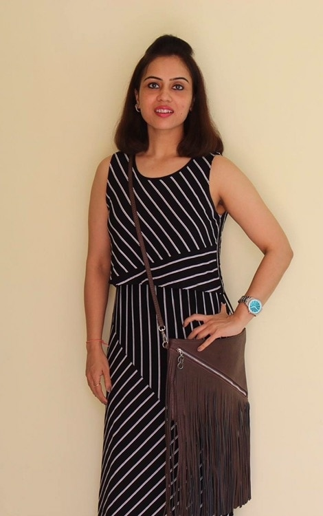 Dressed in a summery maxi dress from @pantaloonsfashion for an event . This brown fringe bag from @e2ofashion is one of my favourites. It's a bag you can carry from work to a rock concert 👜 . . . . #bespokegrub #indianblogger #lucknowblogger #lucknowbloggers #bloggersworldwide #fashionstyle #fashionblogger #lifestyleblogger #foodblogger #moviereview