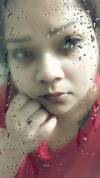 DROPLETS of life... 💧💦 #hercreativepalace #kanikasharma #delhi #india #blogger #influencer #winters #droplets
