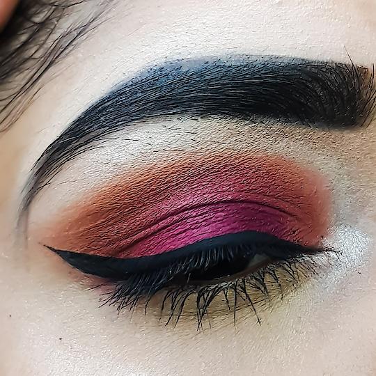 #newdp #makeup  #makeupartist #makeupblog #bridal-makeup #ropo-makeup #eyeshadow #eyeshadowpalette #eyeshadowpalette #beautytipsandtricks #beautyblog #beautybloggerindia #kolkatafashionblogger #kolkatablogger