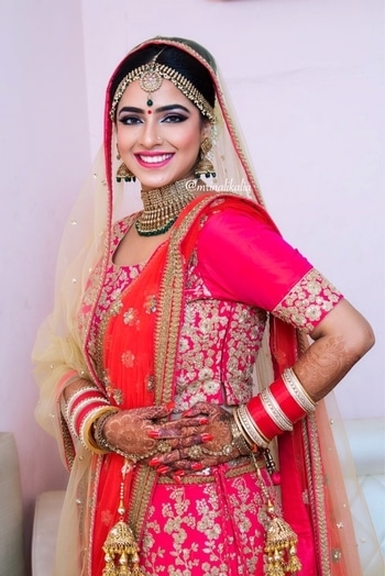 Extremely gorgeous Malika 😍😍 bright lips and bold eyes completes the look of a bride ♥️♥️ it feels amazing when you get your close friend ready on her most important and beautiful day that every girls dreams of 😍😍 products that I used on her are   Face - #makeupforever HD foundation and concealer, full cover concealer, powder foundation, #maccosmetics dollymix blusher with gorgeous #nars orgasm, #anastasiabeverlyhills glow kit  Eyes - #urbandecay moondust, #makeuprevolution #maccosmetics warm/neutral eye shadows, #proarte eyelashes, #inglot gel eyeliner, #kryolan glitters, #benefitbrows  Lips - #colorbar lip liner, #kikomilano long stay lipstick   And last but not least, finishes off this look with #maccosmetics translucent powder 😍   For bookings contact us  919910876688 919910554185  Email id - kalia.mrinali@gmail.com