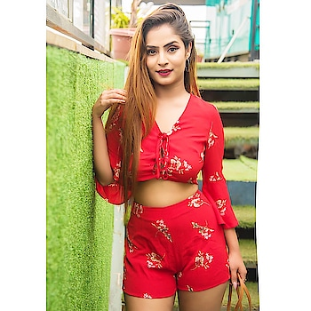 I need you coz you make me laugh more than anyone else ❤️😍😘❤️☺️🌈💃 . . Posing in my favourite  @sheinofficial @shein_in . . . Here's a new exclusive coupon code for you , it's  diiyalamba ,  if you buy ₹2300 they can get ₹300  reduction if they use the code . The code is valid from today to October first !! . . The short link is: https://goo.gl/tfW4G8 search ID :359027 . . . Shot by very talented 📸@krishabh2294_official 👌🏻😍 . .  Make up by @makeupbyayushisaini 🌹 . .  #shein #sheinofficial #fashionblogger #style #model#blogger#influencer#classy #gorgeous #girl#popxoblogger#plixxoblogger#travel#beauty#topshop#pretty#cute#stylish#ootd#lotd#lookbook#stunning#travelblogger#beautyblogger#beautifulgirl #popxoblognetwork #spring#bestdressed#sheingals #ootd#lotd