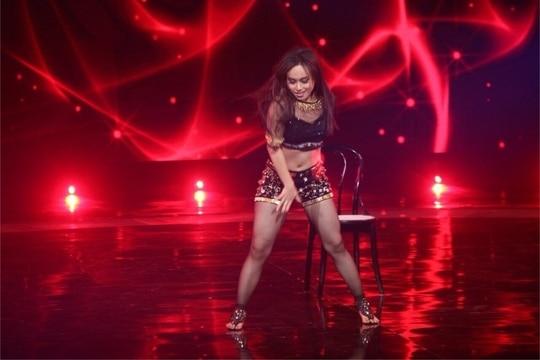 ........R E D - H O T.........💃🏻 #dance