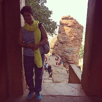 And sometimes we find a wall to lean on, and pose 🤷🏻♀️! 😻 #travelwithsonu . . . . . . . . #saycheese #keepsmiling #photoop #intheshadow #travelgear #backpacker #wanderlust #travelblogger #shorthairdontcare #cottonlover #keepwalking #rockcaves #badami #karnataka #indianblogger #mumbaibloggers #cliff #incredibleindia #roposogal #roposostylefiles #roposoblogger #roposo-fashiondiaries #roposotraveldiaries #soroposofashion #soroposogal #soroposoblog #soroposodaily