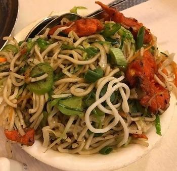 *Slurp* Veg Hakka noodles 🍝 #foodiesofindia  #food