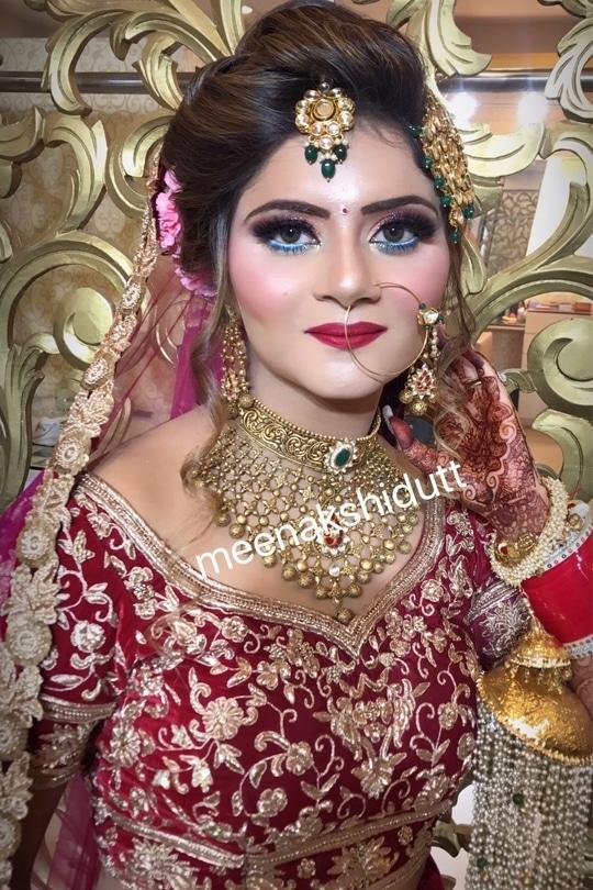 Glamorous #bridallook at #meenakshiduttmakeovers #MDM #meenakshiduttmakeoversdelhi #meenakshiduttmakeoverschandigarh #meenakshiduttmakeoverskanpur #meenakshiduttmakeoversamritsar #makeupexpert #hairandmakeup #makeup and eyes makeup #makeupacademymakeupschool #learnmakeup #professionalmakeupartist #bridalmakeup #bridalmakeupartist #indianbeauty #indianbride #bridalmakeupartist #bridalmakeupartist #bridalmakeup #makeupartistindia #makeupartistdelhi