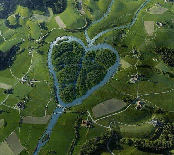 The Heart River is a tributary of the Missouri River, approximately 290 km(180 mi) long, in western North Dakota in the United States.