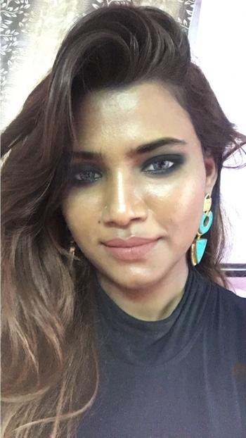 #makeuptutorial #smokeyeyestutorial #nudelipstickforindianskintone #maccosmeticsindia #krylon #messylook #makeupgoals #makeuplovermakeupblogger #roposo-makeupandfashiondiaries #roposo-fashiondiaries #roposo-style