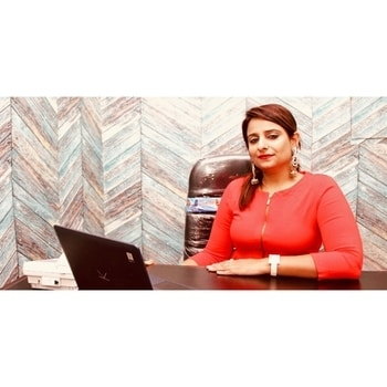#EntrepreneurshipTale Health and U , a nutrition company started by entrepreneur Divya Chadha offers tailor-made programmes taking into consideration every aspect of your lifestyle. Be it your profession, your current diet, your environment and so on.  Often the problem with the various diet plans meted out is that they are nit compatible with our personality or are too drastic a change. Also often calories are the sole focus. But Health and U offers diets which include wholesome food and fresh produce. If you were looking to start a new diet plan this is your place to go!  Read the full feature at flairtales.com  #nutrition #food #wellness #diet #entrepeneurship #womenpower #womenentrepreneurs #media #feature #interview #health #eathealthy #food #dietician #nutritionist #business #startup