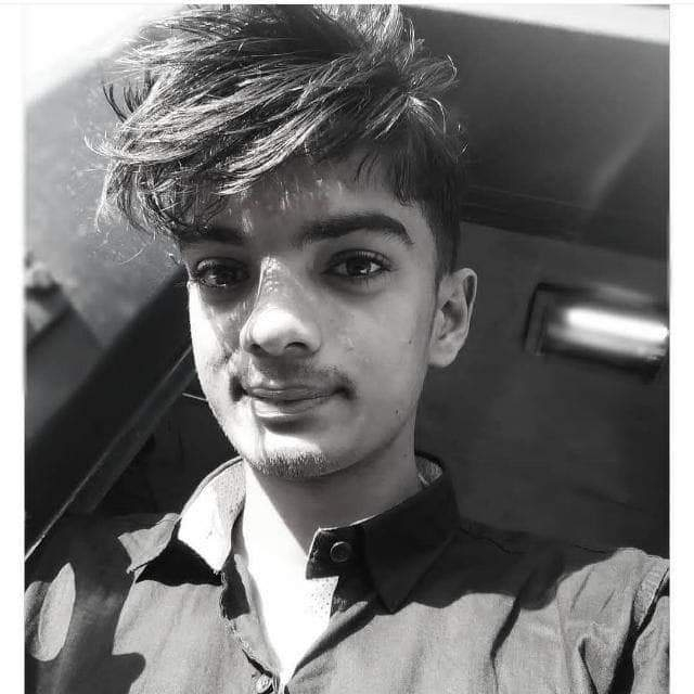 Updated their profile picture.... . . . . . . . . . . .#bangalore #india #feshion #feshionista #love-status-roposo-beats #love----love----love #news_channel #lovemyself #foryou #love