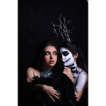In the frame : @richakashyap_official & @loveena_nandwani  Designer : @singhpalakofficial Photographer : @clickedbytan   #delhimua #makeupbypriyasharma  #delhifashionblogger #delhifashionbloggers #indianfashion #indianfashionblogger #delhimakeupartist #delhiblogger #popxoblogger #popxofashion.  @beccacosmetics, @anastasiabeverlyhills, @lauramercier, @nyxcosmetics, @nyxcosmetics_in, @hudabeauty, @bperfectcosmetics, @urbandecaycosmetics, @tartecosmetics, @makeuprevolution, @makeuprevolutionindia, @maccosmetics, @maccosmeticsindia, @wetnwildbeauty, @paccosmetic, @lagircosmetics, @lagirlindia, @ybpcosmetics, @realtechniques, @cetaphil_india, @anukaushik, @indulgeo.essentials, @nykaabeauty, @sebamedindia, @innisfreeindia, @mynykaa, @lovecolorbar, @benefitindia, @benefitcosmetics, @coverfx.