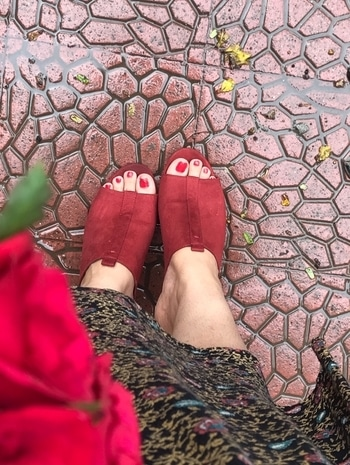 Red #mules from @zara India. My love for #footwear will never end. What do you guys think?? #indianfashionblogger #indianblog #indianbloggers #styletabloid instafashion #fashionista #fashionblogger #streetstyleindia #streetstyle