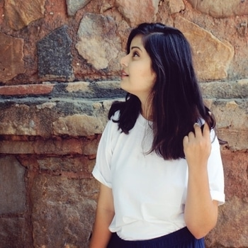 Ways to wear your White T-shirt sorted! Click on the link in bio section to read about the complete story! . . . . . . . #sundaymood #newblogpost #ootd #blogpost #blogger #style #stylefile #styletips #igersdaily #igers #ootd #instapost #fashion #instafashion #ootdsubmit #ootdinspiration #fashion #fashionblogger #bloggersofindia #wearewexplohoric #like #followtrain #popxodaily #popxoblognetwork #summerdress #westmeetsindian #streetstyledelhi #pasteldrama #SummerOutfits