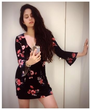 Current mood- All relaxed and laid back.... 💤 💆♀️ . #streetstyle #roundtheworld #globetrotter #stylediary #travelgirl #bollywood #elleindiaofficial #indiangirl #bollywoodfilms #mumbai #nightsarebeautiful #floraldress #blackdress #selfie #laidback #globetrotter #selfietime #hairstyles #actresses #glistening #glisteninggoddesses #handm #whitecomplexion #actorslife #bollywoodactress #beautytips #happysoul #avantikakhattri 🌍😇
