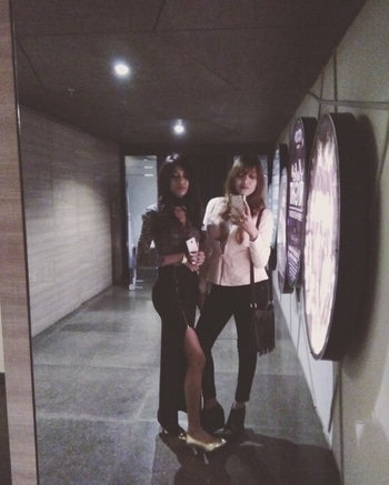 Sisters ❤❤❤ #ootd #ropo-good #styling #sister #outfitpost #winter #styles #women-fashion