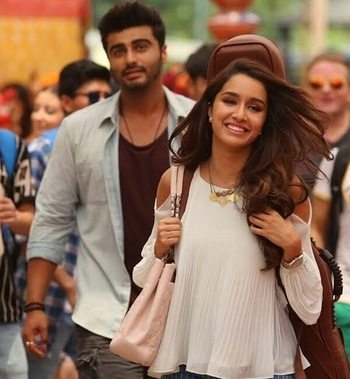 #halfgirlfriend _#thodider_#shraddhakapoor _#arjunkapoor _#bothtogether 💕😍