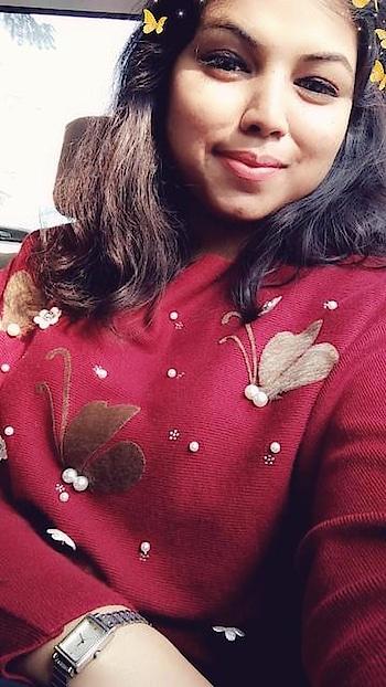 Sun kissed me soo hardd 😂❤️  #sunkissed #sunkissedhair #sunkissedskin #sunkissedlook #sunkissedonpoint #followher #followall #followmeoninstagram #followformuchmore #followtrain #roposo #delhi #delhibloggergirl #delhitimes #delhi-ncr #influencer