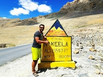 Nakeela top: 15547ft  Location: Leh Manali Highway  . . . . . . . . . . #travelthrowback #travelThrowback #travelpic #top #pass #height #roadtrip #lovetotravel #roposoblogger #bloggerlife #musafir #travel-diaries #leh #manali #highwaysofindia #lovetoride #riders #bestday #blogging
