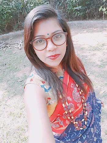#sotd #sareeswag #saree #handloom #handloomlove #pochampalli #accessoriesoftheday #accessoriesaddict #sareeblouse #sareelover #sareeblogger