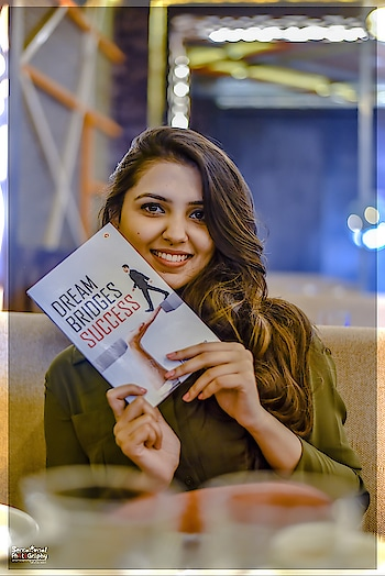 "She Write For Future Happy International Women's Day #womensdayspecial #internationalwomensday The author Tishya Shree is a M.B.B.S student. She is passionate for music and writing,one of her hobby shaped in form of first book ""Dream Bridges Success"" Book Available Now AMAZON FLIPKART #tishyashree #samsensationboy #authorsofinstagram  #sensationalphotography #goldtouch  #creativespacechannel  #superb  #thehappyone #photo  #magic  #ropo-share  #ropo-love  #ropodiaries  #ropo-video  #photography  #like  #share  #comment  #newdelhi  #nikon  #nikonindia  #zoetropic #followers #shareforshare #sauravmishra"