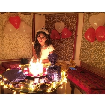 Birthday Bash 🎊  #birthdaygirl #birthdaybash #roposogal r#roposome #soroposo #roposopic #photooftheday #photography #blogphotography #cake #candles #goodvibes #happieness #cute #prettyme #birthdaymonth #like4tags #glitandglaze #roposo-good #trendy #chiclook #fashiongram #fashionblogger #gurgaonbloggers #delhibloggercommunity