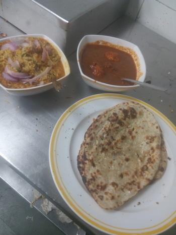lunch tym egg curry with khicdi n garlic naan yummy