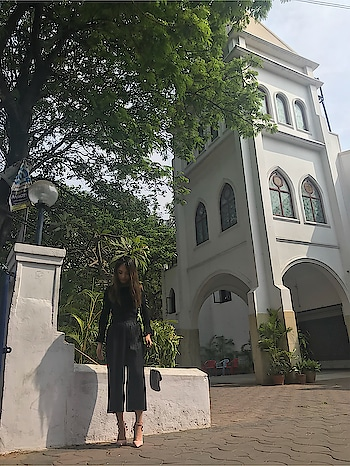 For everything there is a season,and a time for every matter. #sunday #church #weekend #black #heels #hyderabad #ropo-love #ropo-good #ropo-style #fashion #roposo-style #roposogal #zara #forever21 #shein #black #pink #friends #love