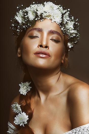 IMPERIAL FLORA  model: @deepikdas_  h&m: poonambhujbal agency: @toabhmanagement  Photo: Shamitashettyingle & @sashiingle  Facebook: www.facebook.com/shamitashettyingle  Blog: https://shamitashetty123.wixsite.com/-envogue   #roposobeauty #soroposofashion #roposo #roposophotography #roposo-fashiondiaries #roposo-makeupandfashiondiaries #roposo-good #roposo-creativeartist #roposoeditorial #roposo-pic