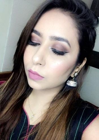 Eid mubarak to everyone.. 😊 Have you guys watched my eid makeup tutorial yet.. head over to my channel.. link in bio..  #eidmakeuptutorial #bronzesmokeyeyes #beautyvlogger #youtuber #indianyoutuber #beautypout