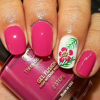 Tropical Nail Art 🌺🌴🌺  #designyournailsbyisha #ishanailart  #tropicalnails #accentnailart #freehandnails #handpaintednailart  #nailsofig #nailsoolala #nailpromote #nailsbyme #polishious #polishaholic #allnailart #nailartaddict #alltheprettynails #pinknails #gelfinishnails #roposonails #roposoblogger #roposofashion #soroposo #roposolove #roposoness