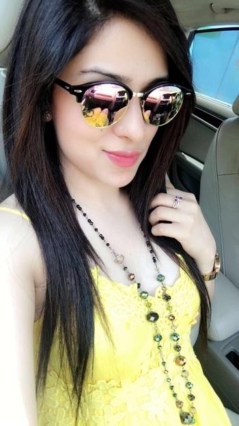 #orange lips #sunglasses #yellowdress #sunnyday #feelgood #feelloved #mystyle #stylishwear #fashion-diva #befashionastic