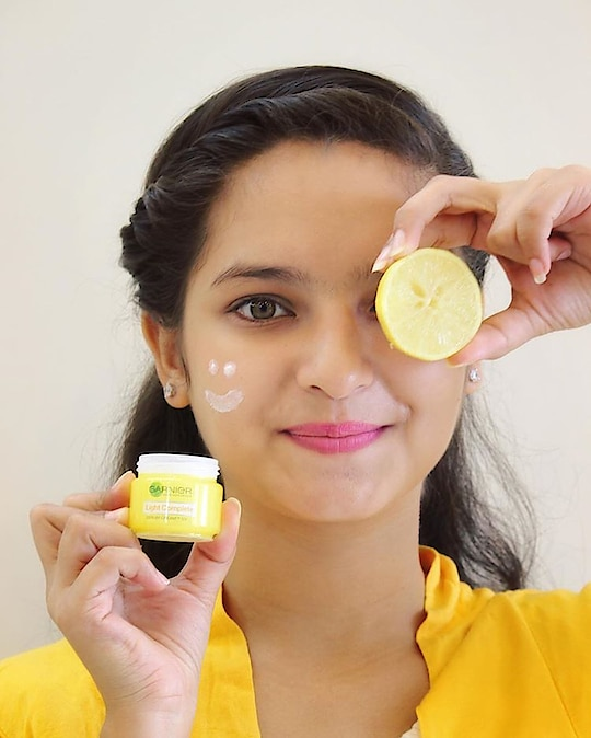 Hate spots on your face? It's time to say goodbye to your spots with the power of garnier light complete! ✨ It will gonna reduce your spots in just 1 week with the power of yuzu lemon and 3x vitamin serum! 🍋  Now Put A Stop To SPOTS, with Garnier Light Complete. ✨ @garnierindia #BrightenUp #SkinCareRoutine _______________________________________________________ #garnierXkissmyfashion #garnier #garnierindia #skincareroutine #sunlight #bloggerstyle #wedmidweek  #wednespod #wedbeautty #pcnickindia #newwdayye #brightening #KMF #hemlatayadav #kissmyfashion 💋
