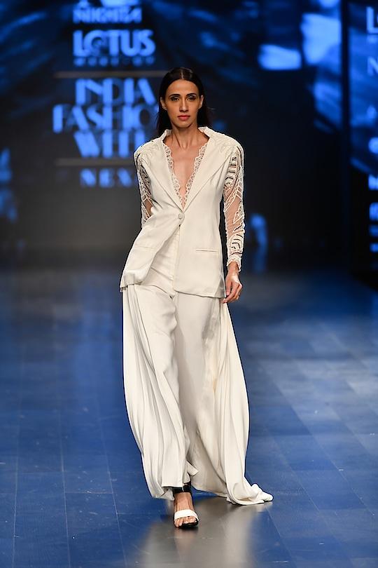 Nikhita Mynah Designs at Lotus Make-Up India Fashion Week spring/summer 2019 💫 @allylovesgym