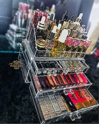 My everyday skin care essentials and daily look is all set in one vanity Organizer by @shopmangopeople  💕 Looks so pretty on my vanity. And when you know how much it costs you will be amazed. Go checkout it's price on @shopmangopeople IG page. #makeuporganizer #makeupcollection #vanity #makeuplove #facialoil